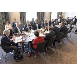 Danfoss, Danimarkalı enerji kuruluşu Synergi ile birlikte Kopenhag ve Malmö'de Nordic Temiz Enerji Haftası 2018 kapsamında enerji verimliliği konulu üst düzey bir yuvarlak masa toplantısına ev sahipliği yaptı.