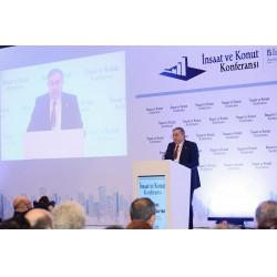 İnşaatçılar Derneği (İNDER) Yönetim Kurulu Başkanı Nazmi Durbakayım, etkinliğin açılış konuşmasını yaptı.