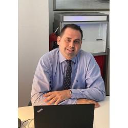 Türkiye Petrolleri Satış Direktörü Şakir Memikoğlu